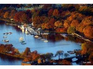 4695703-Gorgeous_fall_colors_on_Charles_River_Boston